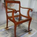 Frisch lackiertes Stuhlgestell