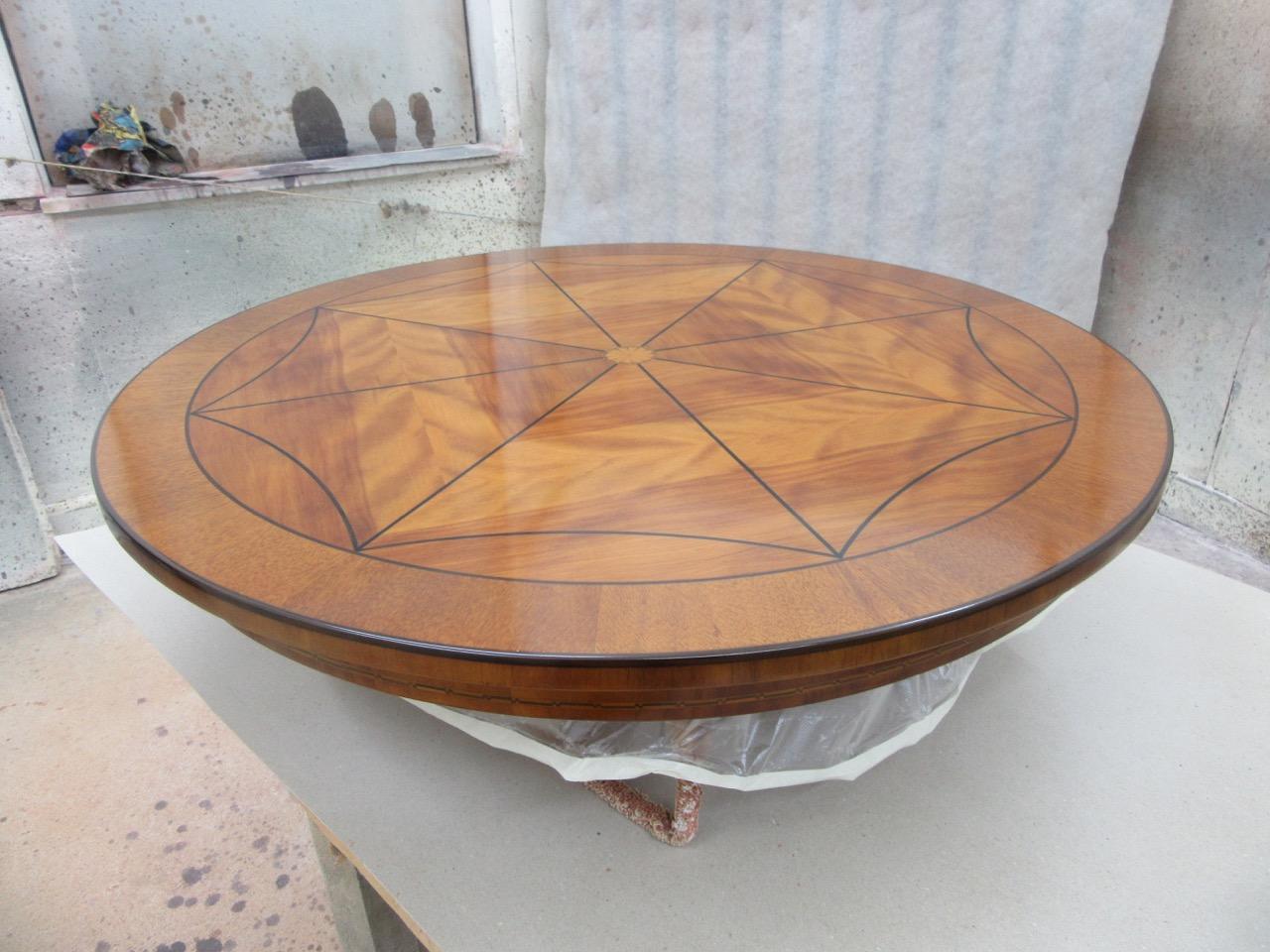 lackierter Tisch