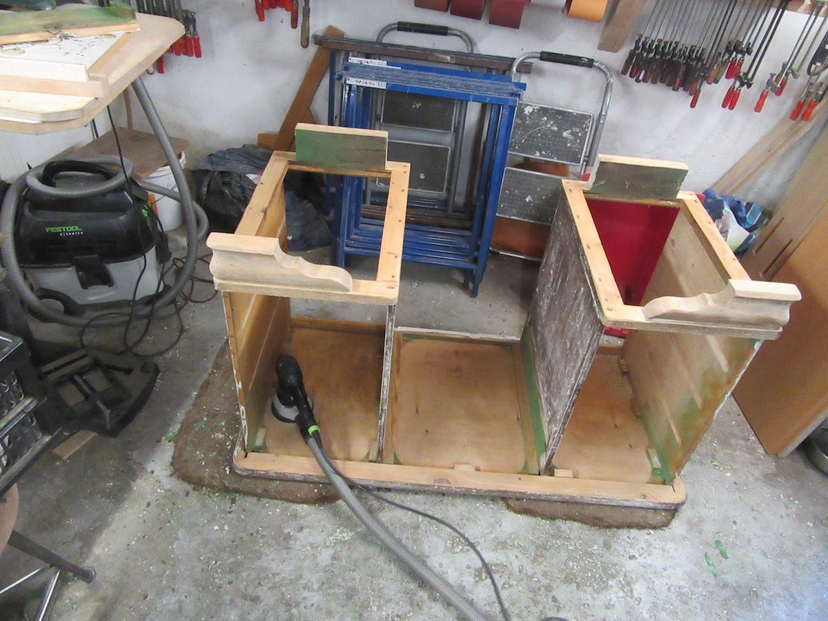 Tischlerei Restauration Antikmöbel Auseinandergebauter Schreibtisch