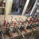 Anfertigen einer Tür für einen Kunden aus Buchholz