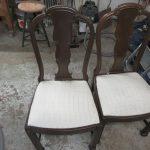Restaurierung antiker Stühle