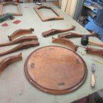 Tischler aus dem Landkreis Harburg restauriert Tisch