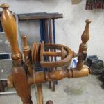 Altes Spinnrad aus Holz