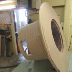 Tisch komplett abgeschliffen in der Holzwerkstatt Helmeke