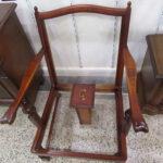 Sessel in Tischlerei im Süden von Hamburg werden restauriert