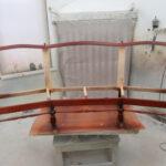 3er-Sofa wird lackiert in der Tischlerei im Landkreis Harburg