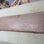 Einzelteile der zu restaurierenden Standuhr