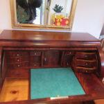 Antiker Sekretär nach Restaurierung vom Tischler