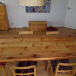 Tisch sieht aus wie neu