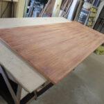 Abgeschliffene Tischplatte beim Tischler Helmeke